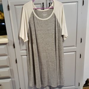 Boutique Jersey Style Dress Cream and Grey Plus 3x
